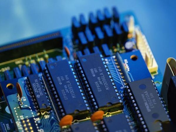 上海公司M24C64电子芯片合作案例