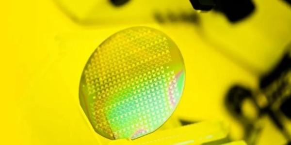 ST官宣200mm碳化硅晶圆制造成功